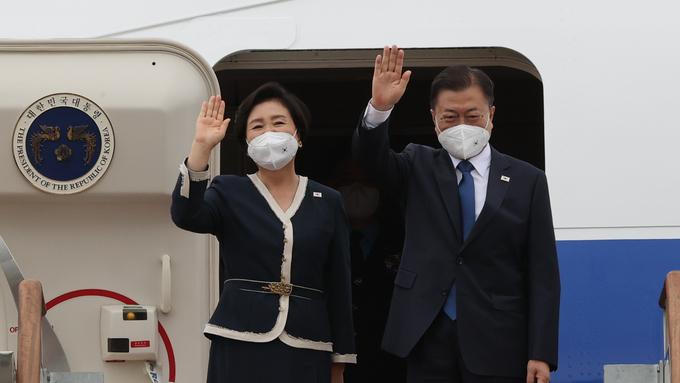 문대통령, G7정상회의 참석 위해 출국